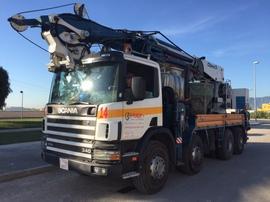 Grúa para servicios en altura y transporte Sueca