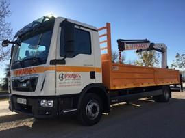 Grúa para servicios en altura y transporte Favara